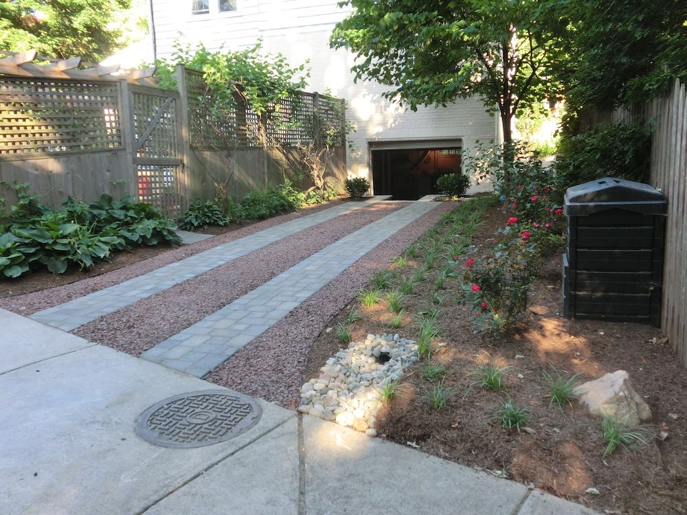 Driveway with gardena and gravel