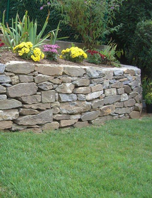 stone wall in a garden (2)